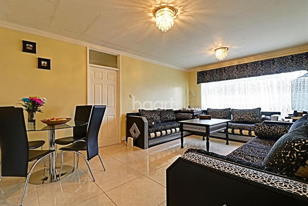 2 Bedrooms Flat for sale in Poplar Grove, Wembley Park