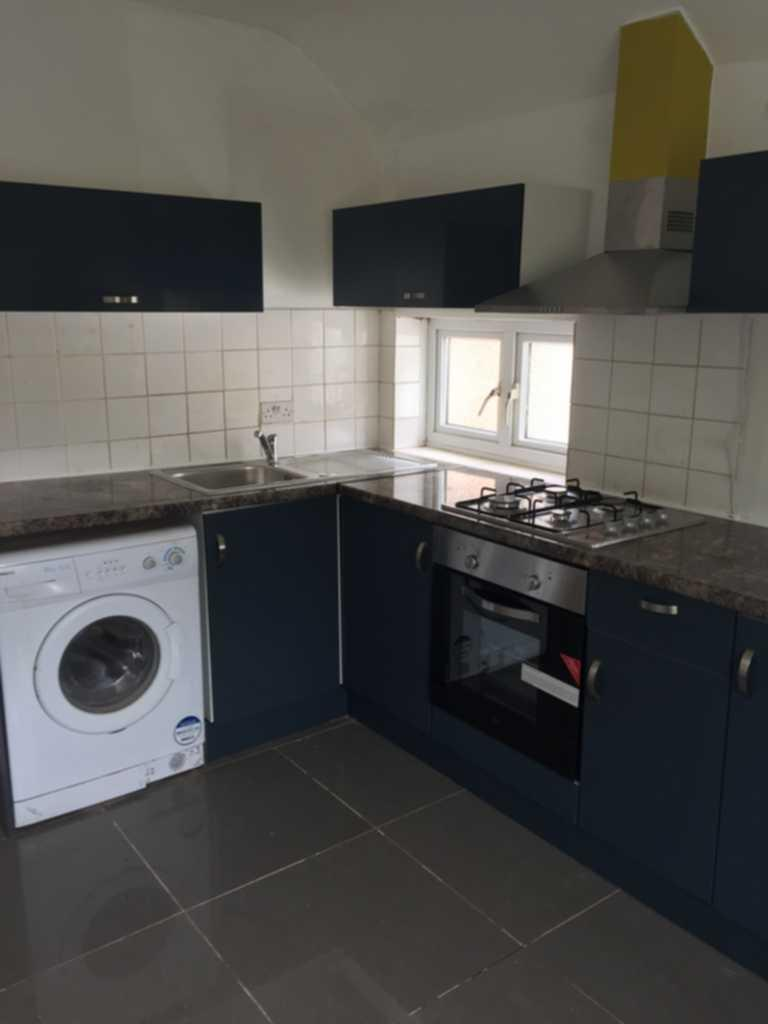 2 Bedrooms Maisonette Flat for sale in Highfield Avenue, Kingsbury, NW9