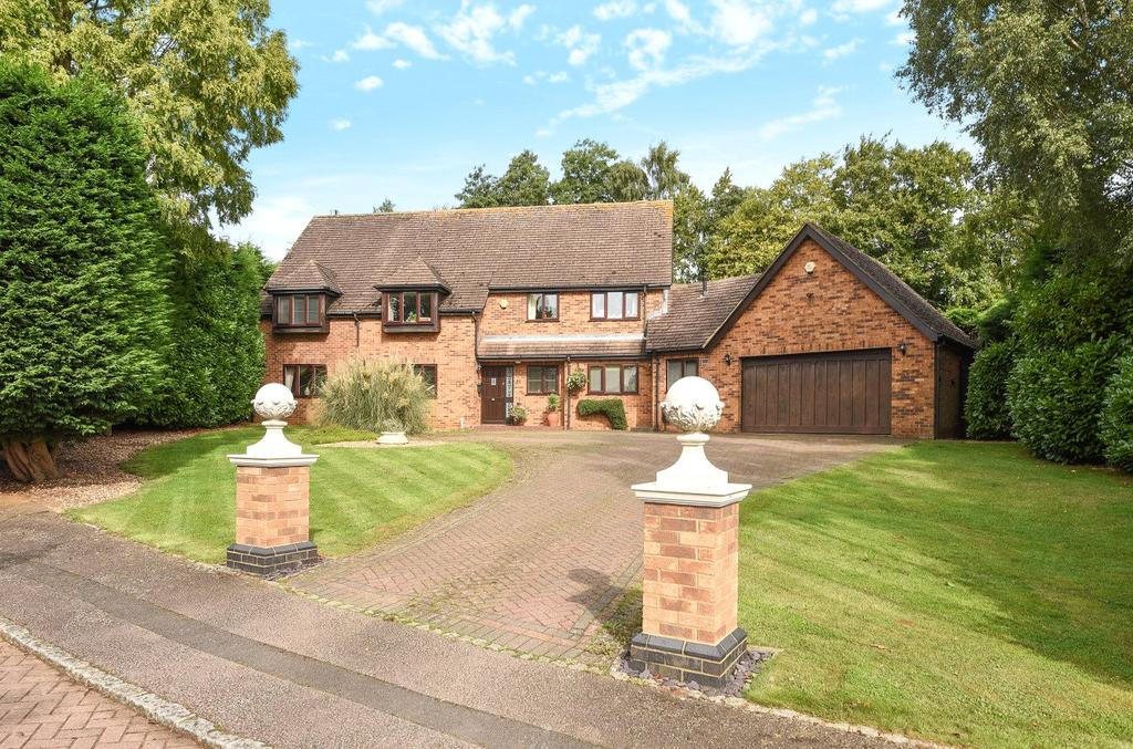 6 Bedrooms Detached House for sale in Taborley Close, Weston Favell, Northampton, NN3