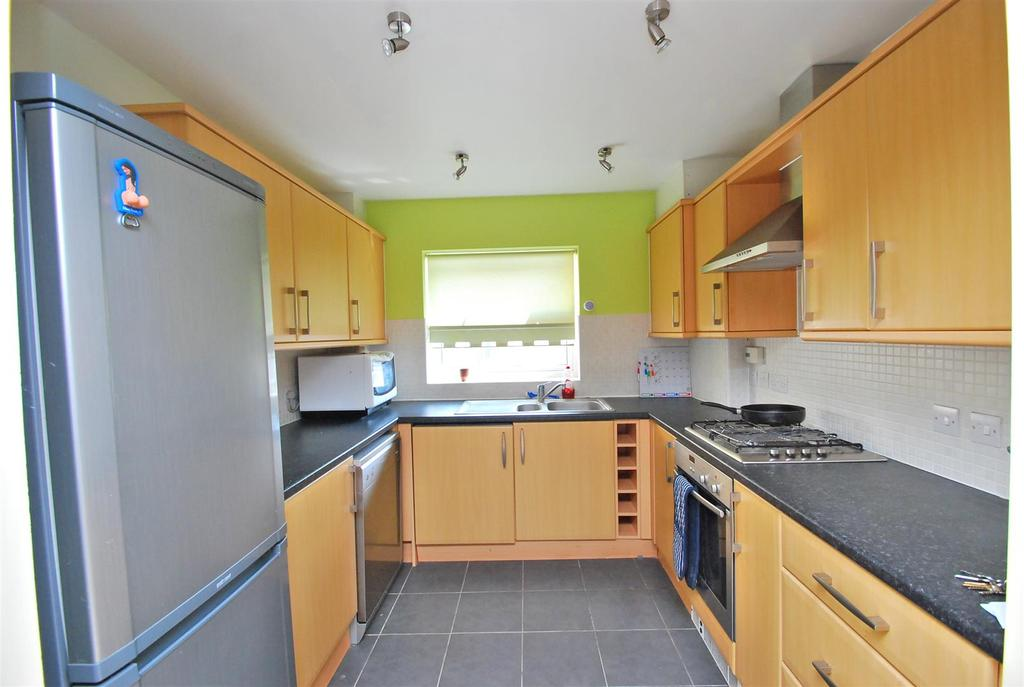 2 Bedrooms Flat for sale in Maltings Way