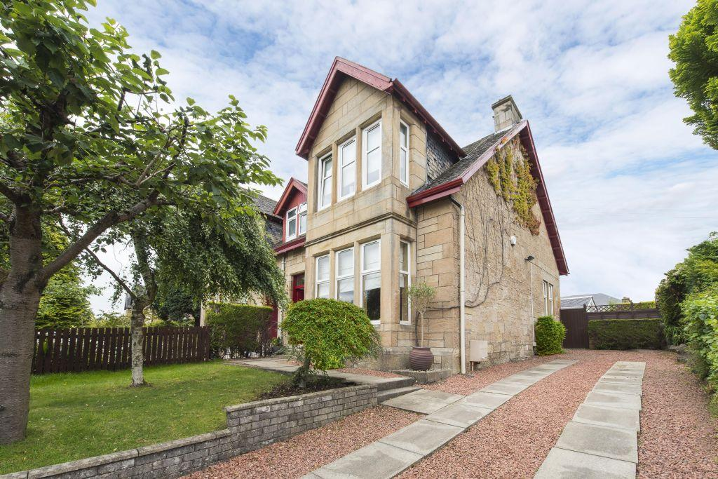 3 Bedrooms Villa House for sale in 11 Brownside Avenue, Cambuslang, Glasgow, G72 8BL