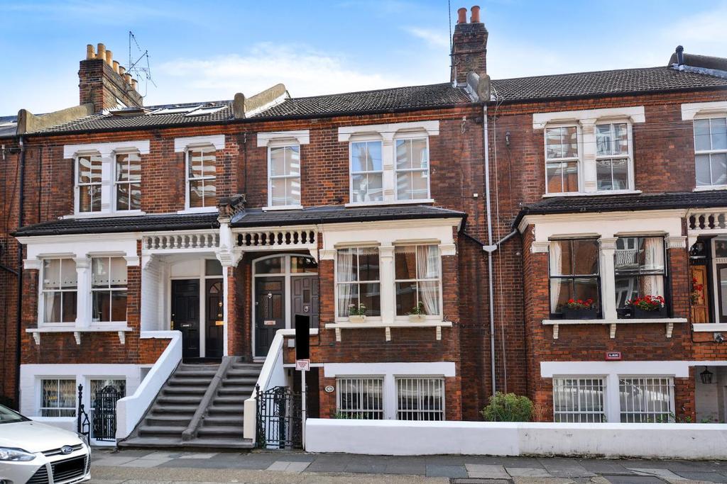 2 Bedrooms Flat for sale in Lurline Gardens, Battersea
