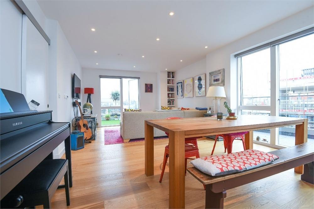 2 Bedrooms Flat for sale in The Valentine, 117 Weston Street, London Bridge, SE1