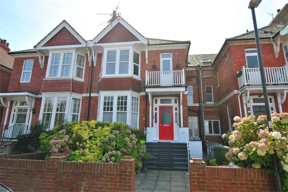 3 Bedrooms Flat for sale in Egerton Road, Bexhill on sea, East Sussex