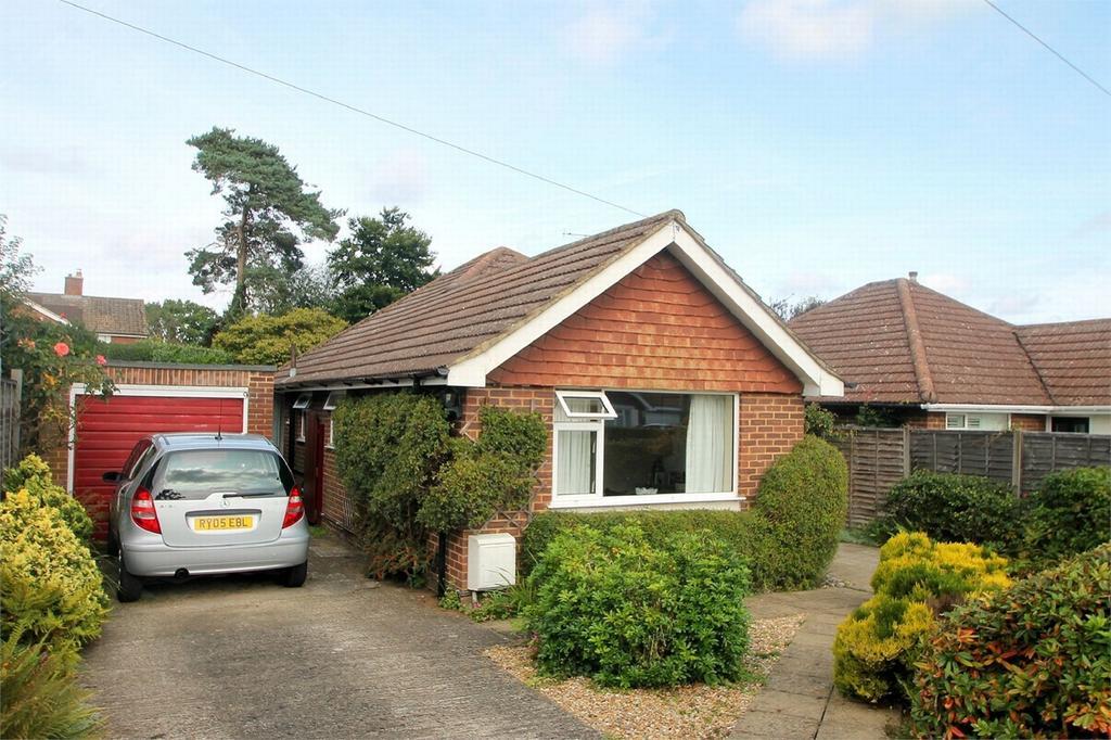 3 Bedrooms Detached House for sale in Bisley, Woking, Surrey