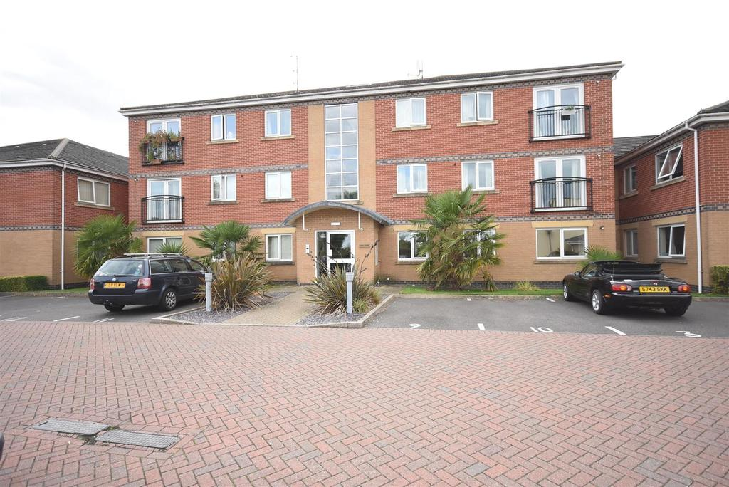 2 Bedrooms Flat for sale in Reservoir Road, Kettering