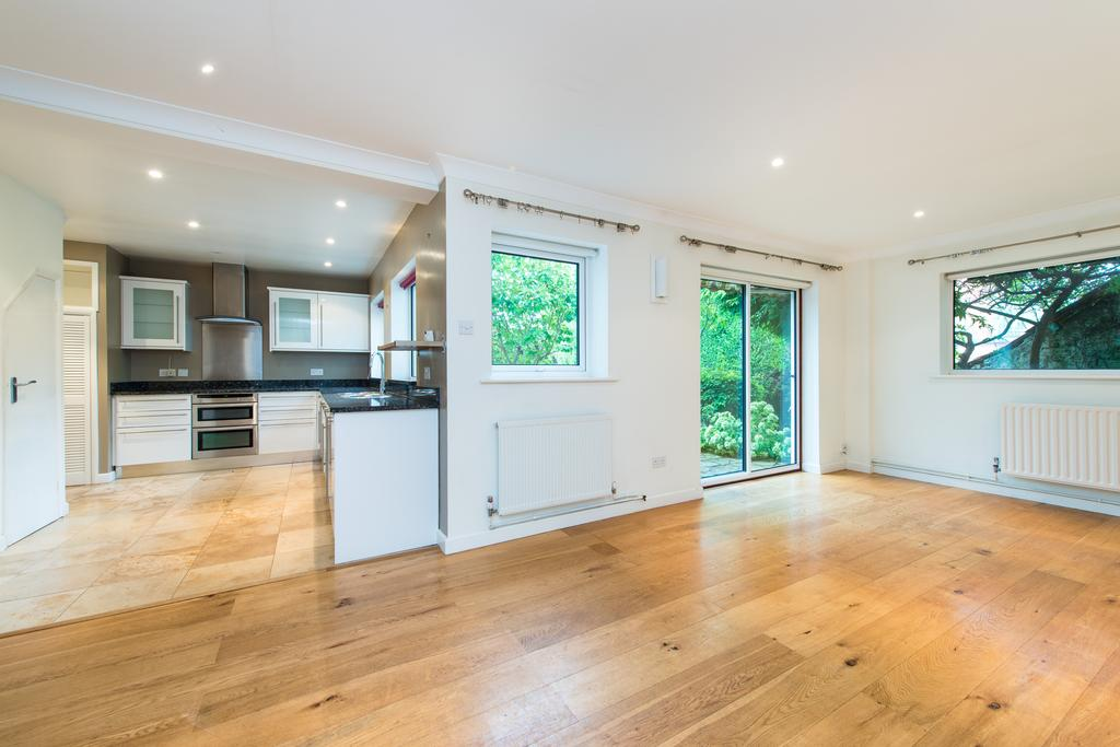 4 Bedrooms House for sale in Glebe Close, Thornford, Sherborne