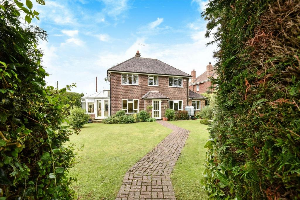 4 Bedrooms Detached House for sale in Oliver's Battery, Winchester, Hampshire