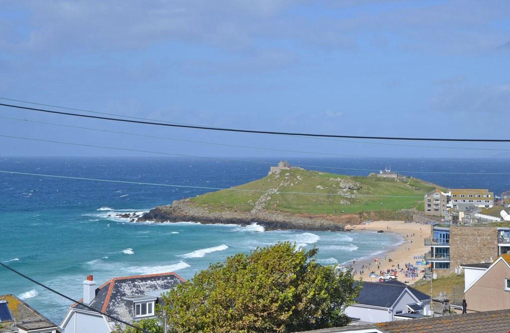 2 Bedrooms Detached House for sale in Above Porthmeor Beach, St Ives, West Cornwall, TR26