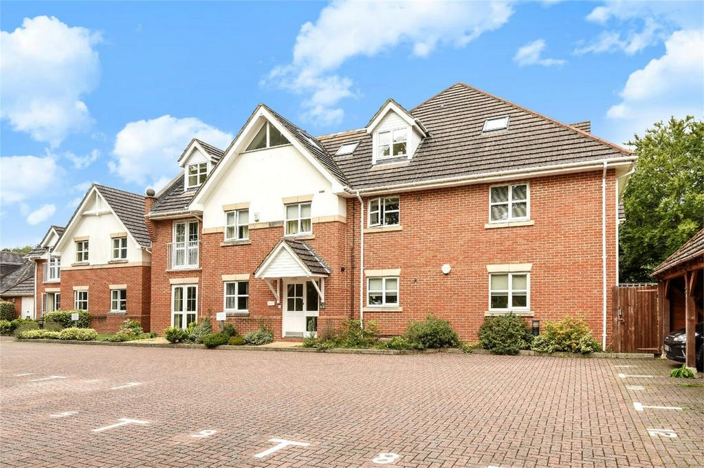 2 Bedrooms Flat for sale in Chandler's Ford, Hampshire