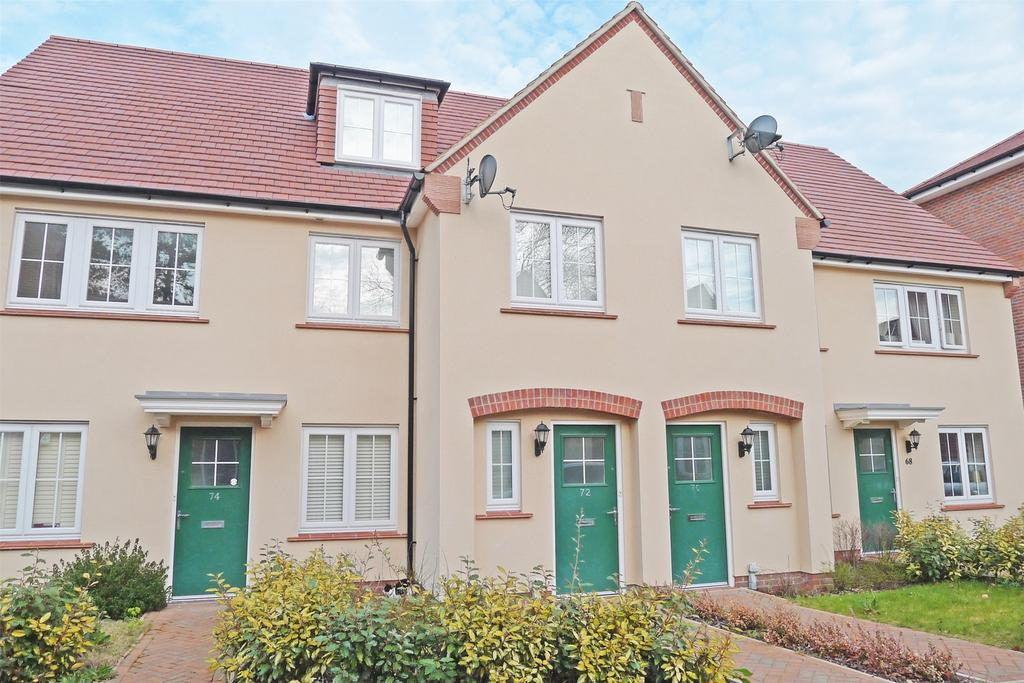 4 Bedrooms Town House for sale in Lindsell Avenue, Letchworth Garden City, Hertfordshire