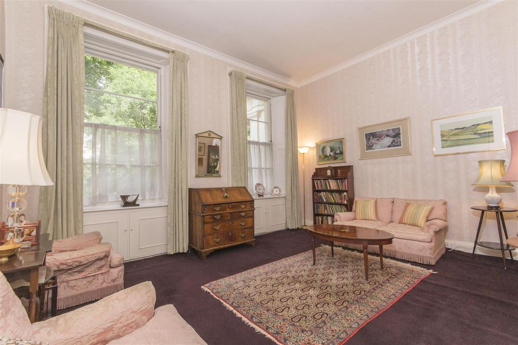2 Bedrooms Ground Flat for sale in Eccleston Square, London, SW1V