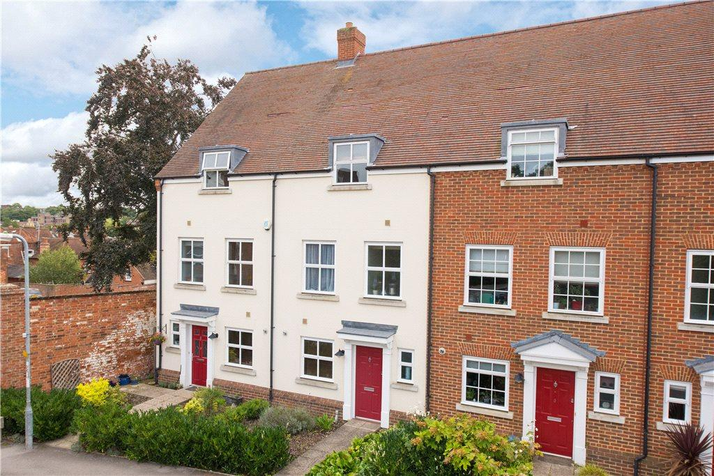 4 Bedrooms House for sale in Kitchen Garden Court, Hitchin, Hertfordshire