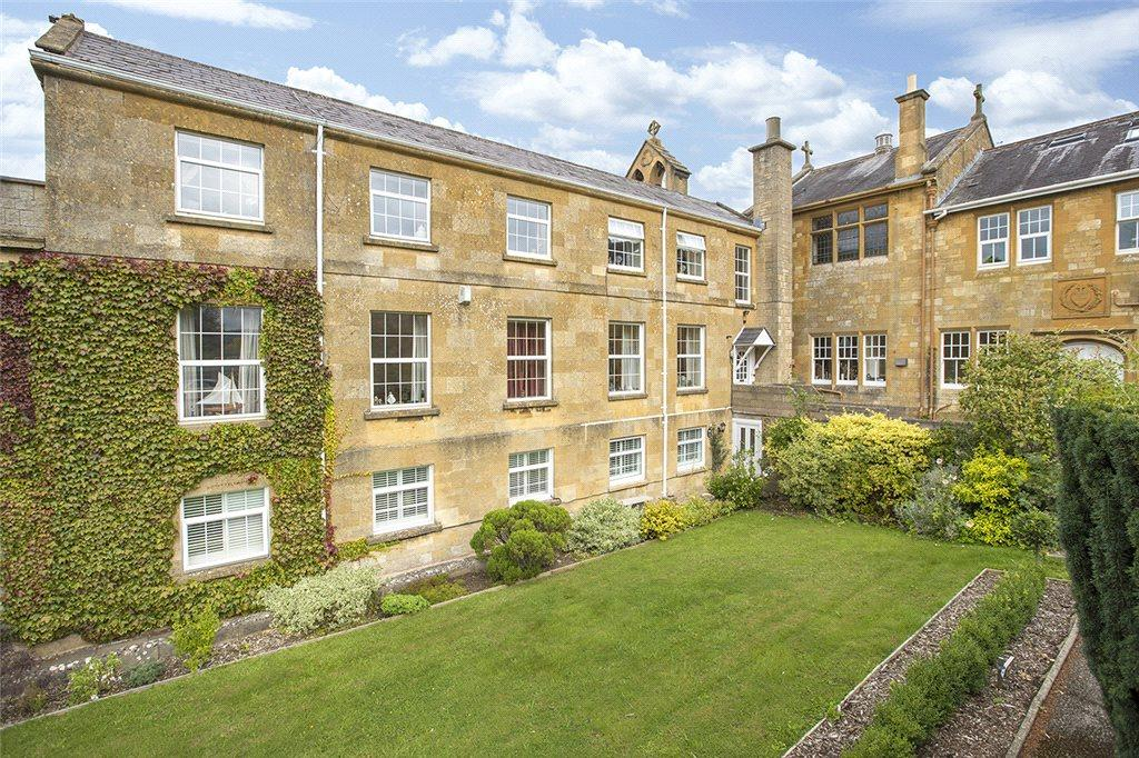 2 Bedrooms Flat for sale in The Retreat, Broadway, Worcestershire, WR12