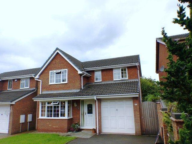 4 Bedrooms Detached House for sale in Spinney Close,Burntwood,Staffordshire