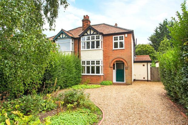 3 Bedrooms Semi Detached House for sale in Roseford Road, Cambridge