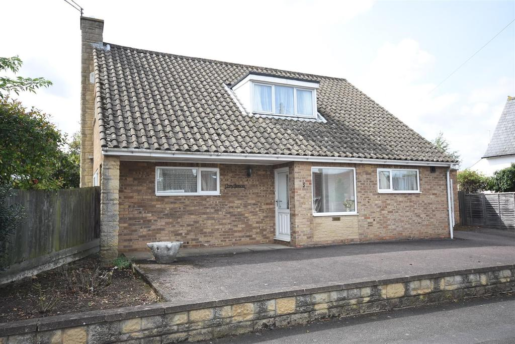 3 Bedrooms Detached House for sale in Shakespeare Road, Kettering
