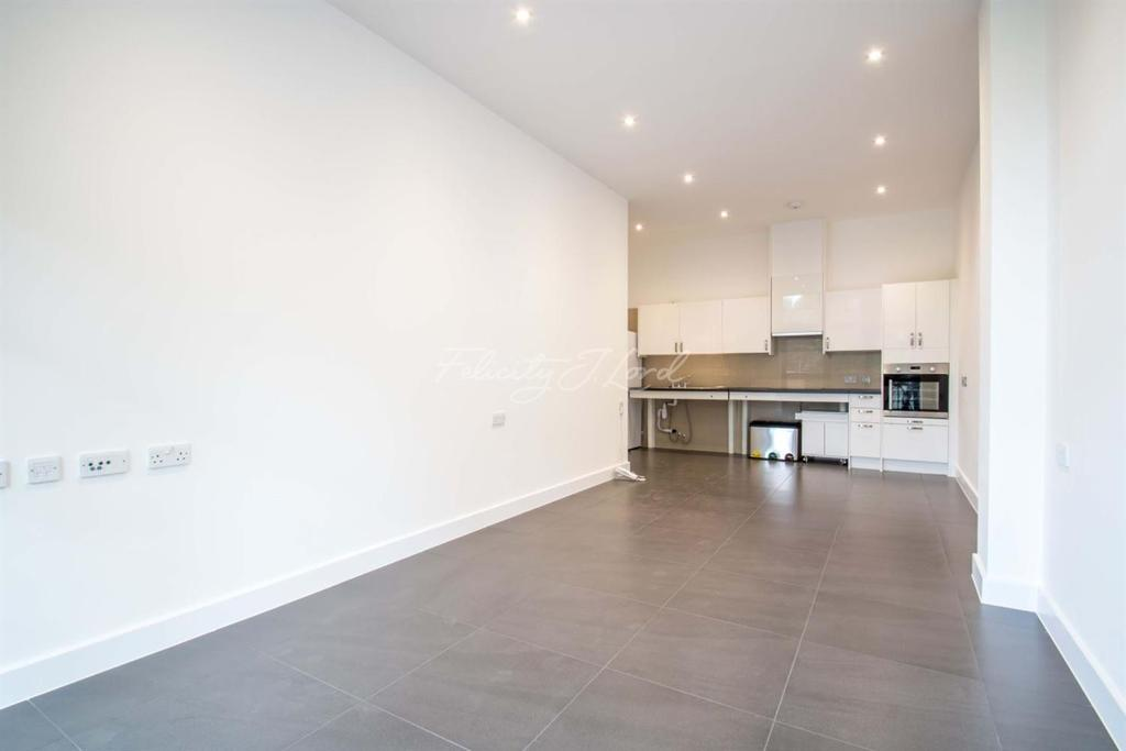 2 Bedrooms Flat for sale in Wick Tower, SE18