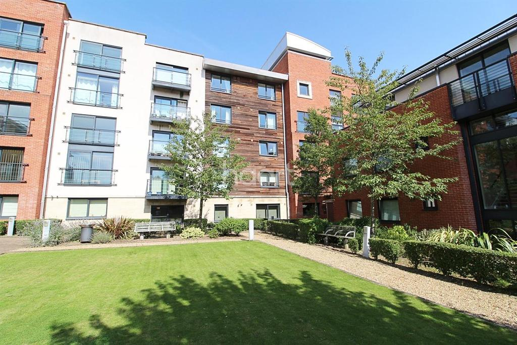 1 Bedroom Flat for sale in Chapelfield Gardens, Norwich
