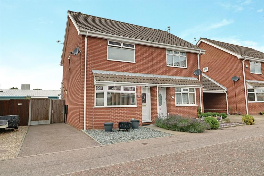 2 Bedrooms Semi Detached House for sale in Anchor Court, Great Yarmouth