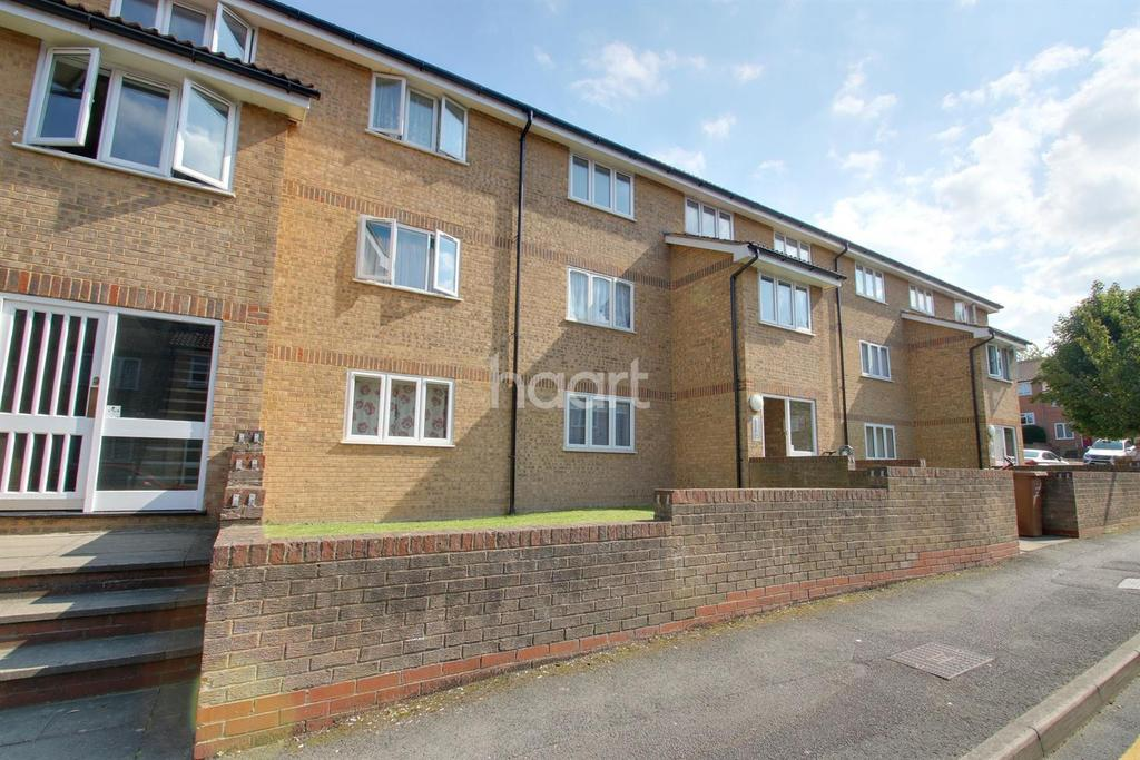1 Bedroom Flat for sale in Fort Pitt Street, Chatham ME4