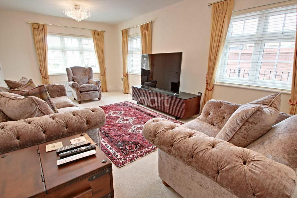 4 Bedrooms Detached House for sale in Llanvair Grange Close, Mon Bank, Newport