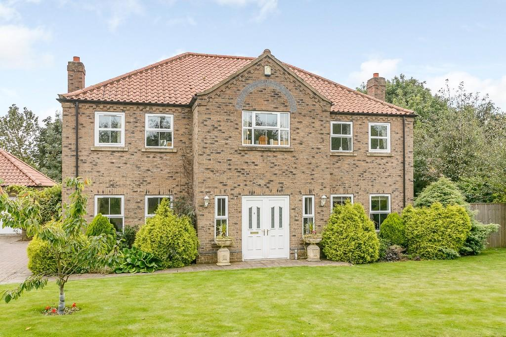 5 Bedrooms Detached House for sale in Melton Ross, North Lincolnshire