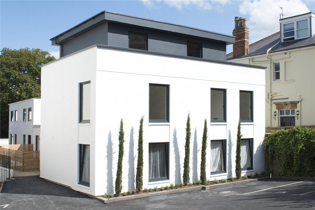 2 Bedrooms Flat for sale in Montpellier Drive, Montpellier, Cheltenham, Gloucestershire, GL50