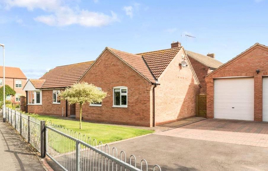 3 Bedrooms Detached Bungalow for sale in Lime Grove, Bassingham, Lincoln, LN5