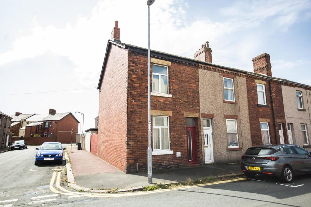 4 Bedrooms End Of Terrace House for sale in Stanley Road, Barrow-In-Furness