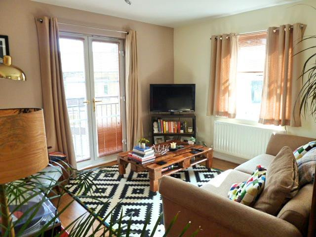 1 Bedroom Flat for sale in Broom Mills Road, Farsley, Pudsey