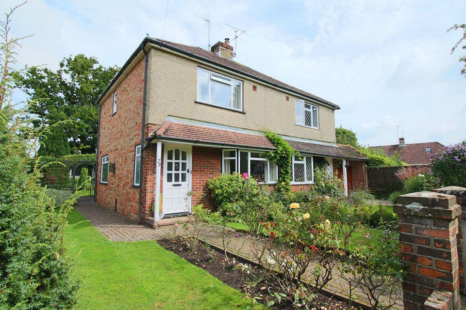 3 Bedrooms Semi Detached House for sale in The Quadrant, Keymer, West Sussex