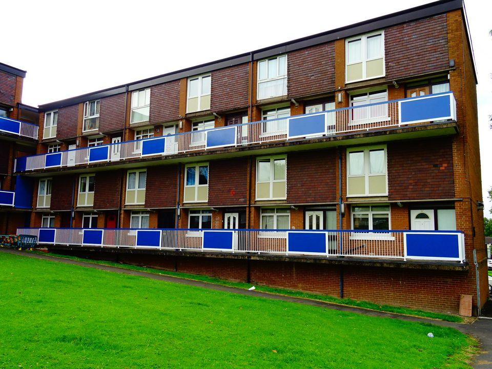 2 Bedrooms Maisonette Flat for sale in 55 White Thorns View, Batemoor, Sheffield S8