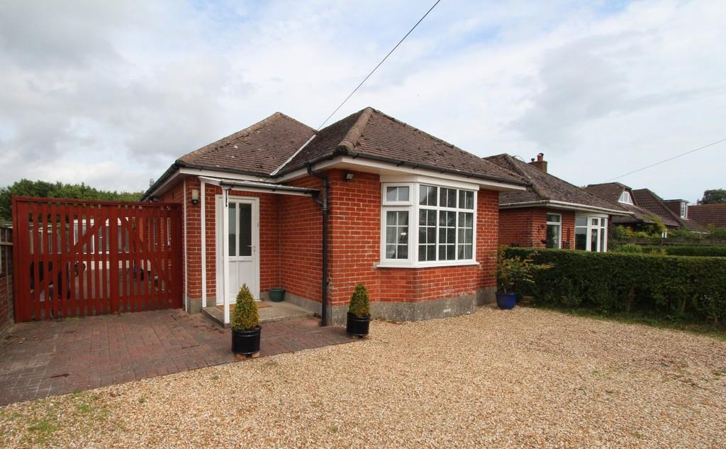3 Bedrooms Detached Bungalow for sale in BURTON
