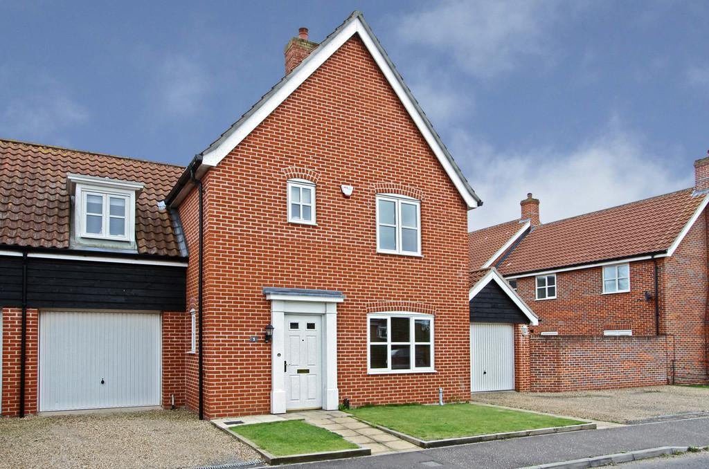 3 Bedrooms Link Detached House for sale in Ryefield Road, Mulbarton