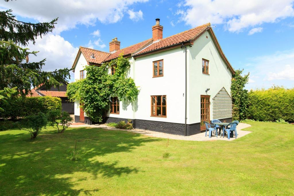 4 Bedrooms Farm House Character Property for sale in SOUTH NORFOLK