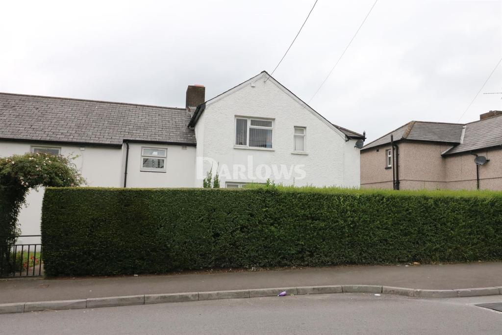 3 Bedrooms Semi Detached House for sale in West Avenue, Caerphily
