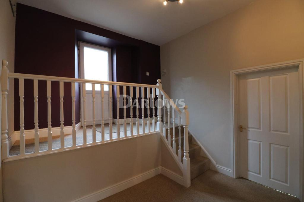 2 Bedrooms Flat for sale in Meadowhall Court, Senghenydd, Caerphilly