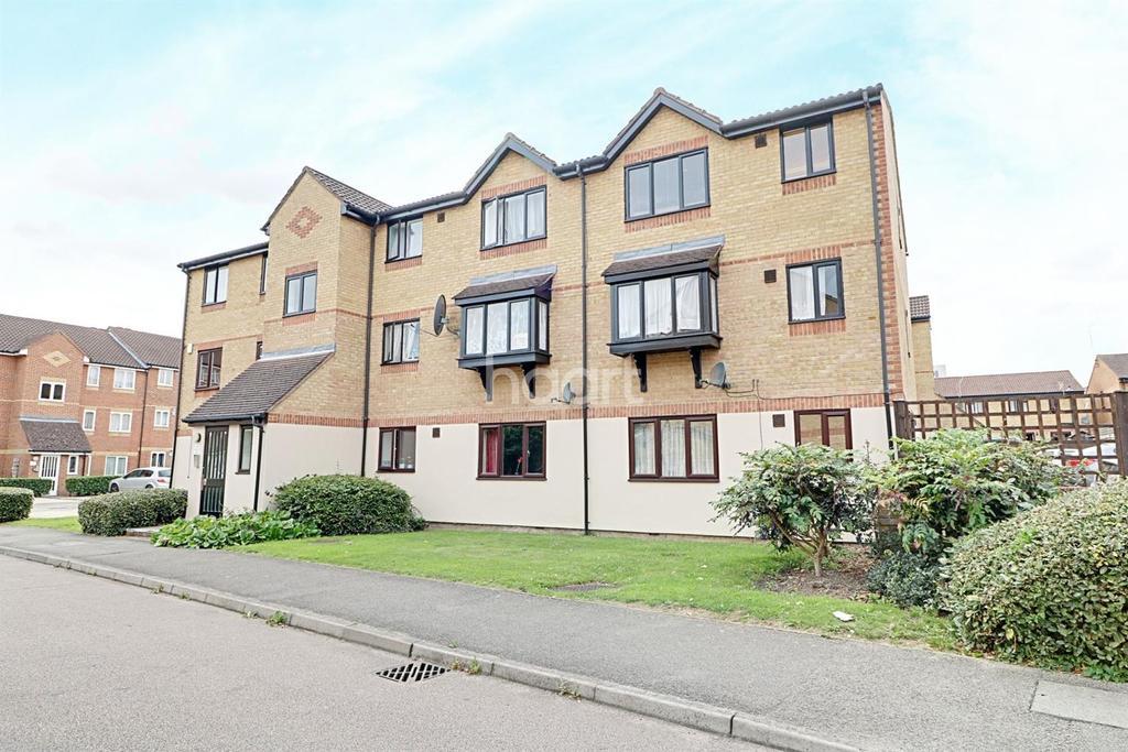 2 Bedrooms Flat for sale in Linwood Crescent, Enfield, EN1