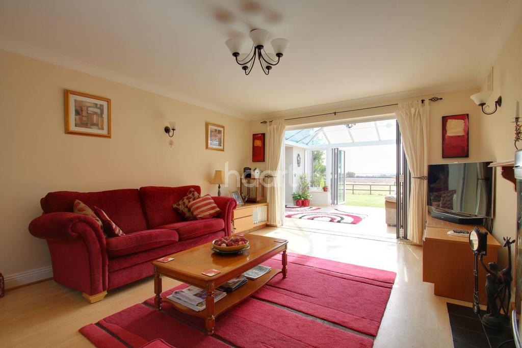 4 Bedrooms Detached House for sale in Lower Road, Peldon, Colchester
