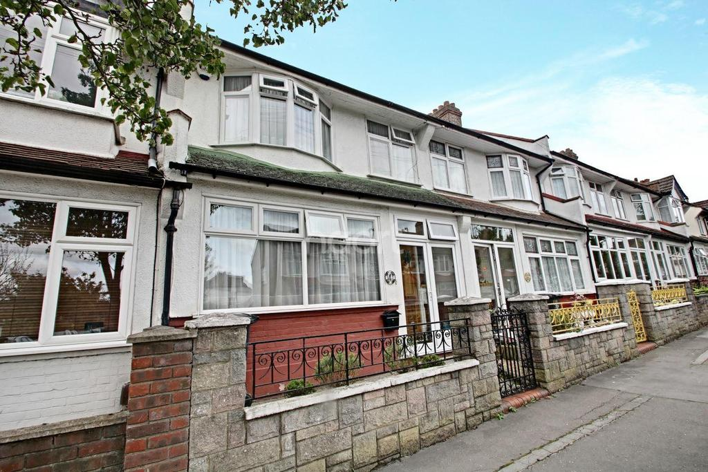 3 Bedrooms Terraced House for sale in Lynwood Gardens, Croydon, CR0