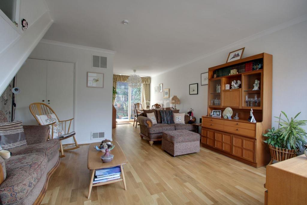 3 Bedrooms Terraced House for sale in Lennox Gardens, Croydon, CR0