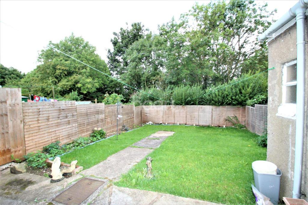 3 Bedrooms Terraced House for sale in St Peters Road, Balby, Doncaster