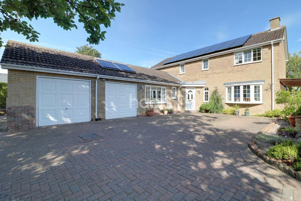 4 Bedrooms Detached House for sale in Crescent Close, Nettleham