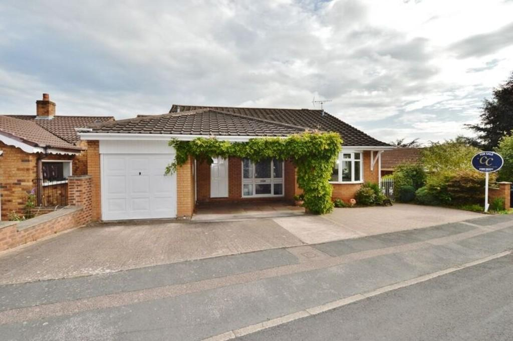 5 Bedrooms Detached House for sale in Waverley Gardens, Etchinghill