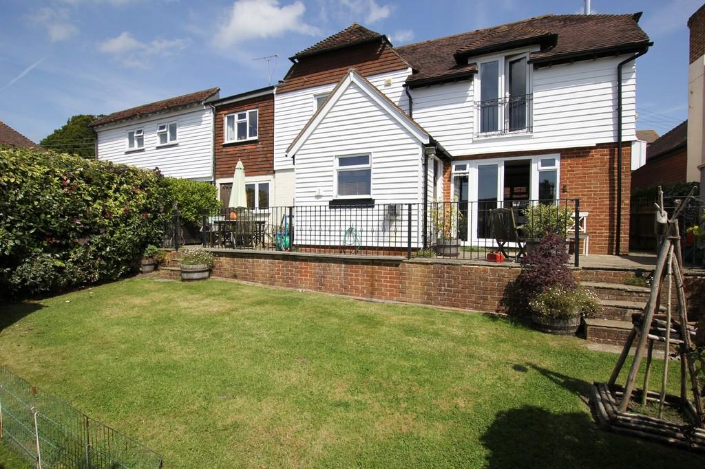 4 Bedrooms Semi Detached House for sale in Punnetts Town, Heathfield