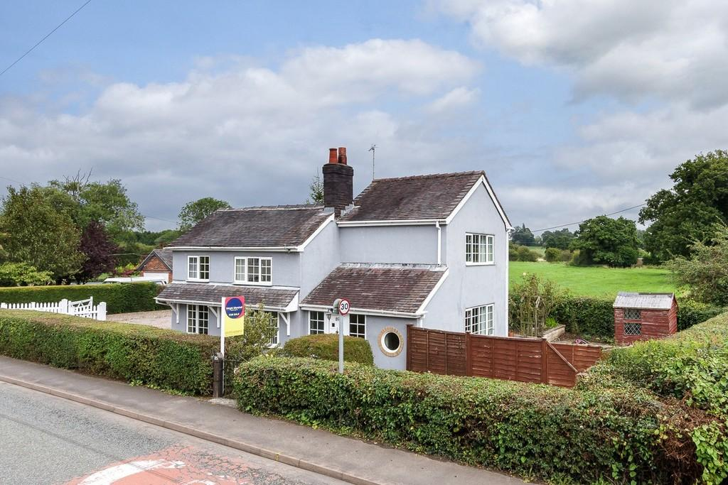 3 Bedrooms Cottage House for sale in Stapeley, Nantwich