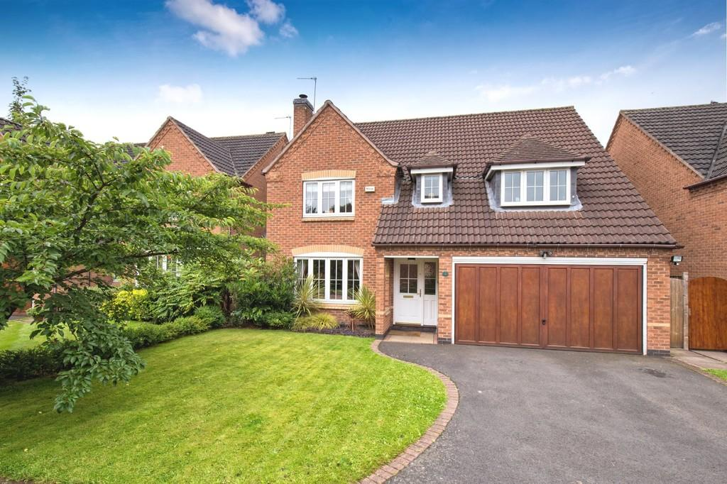 4 Bedrooms Detached House for sale in Foxton Close, Alrewas, Staffordshire