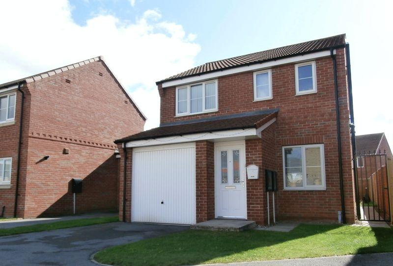 3 Bedrooms Detached House for sale in Hyde Park Road, Kingswood, Hull