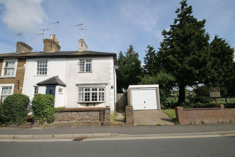 2 Bedrooms End Of Terrace House for sale in Lower Church Road, Burgess Hill, West Sussex